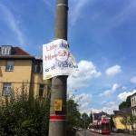 Zerstörtes Plakat Österreicher Straße